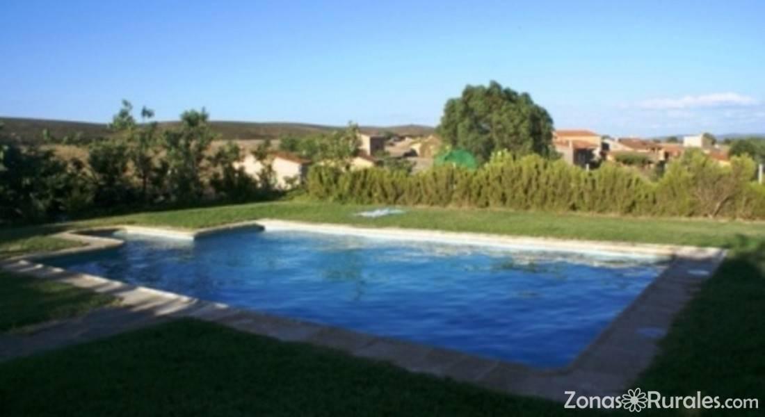 Casa rural al mofrag y mirador de monfrag e casa rural for Piscina villarreal