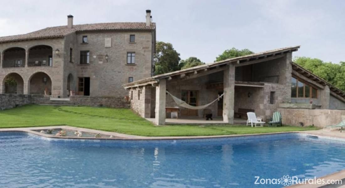 Casa rural la roca casa rural en perafita barcelona for Casa la roca