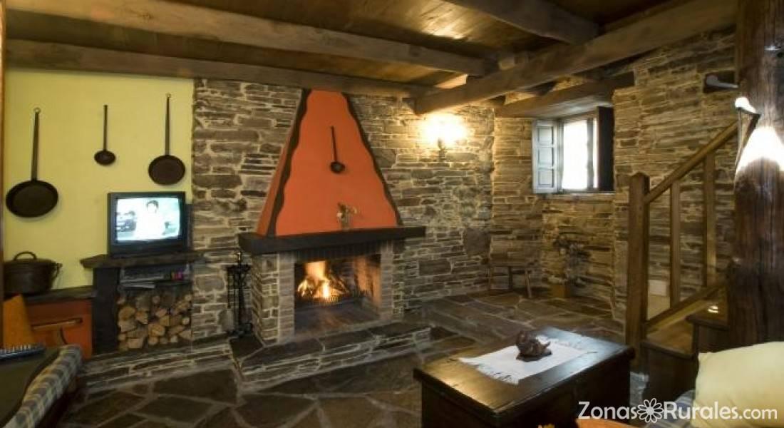 Casa riveras casa rural en santa eulalia de oscos asturias - Chimeneas santaeulalia ...