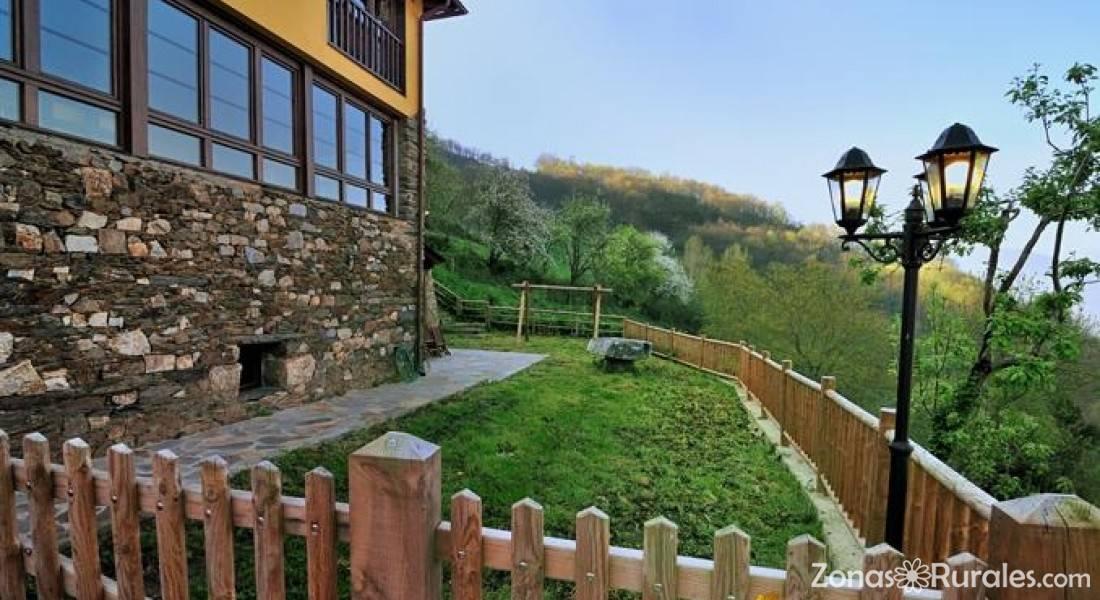 Casa corral casas aldea casa rural en monon allande asturias - Casas de aldea asturias ...