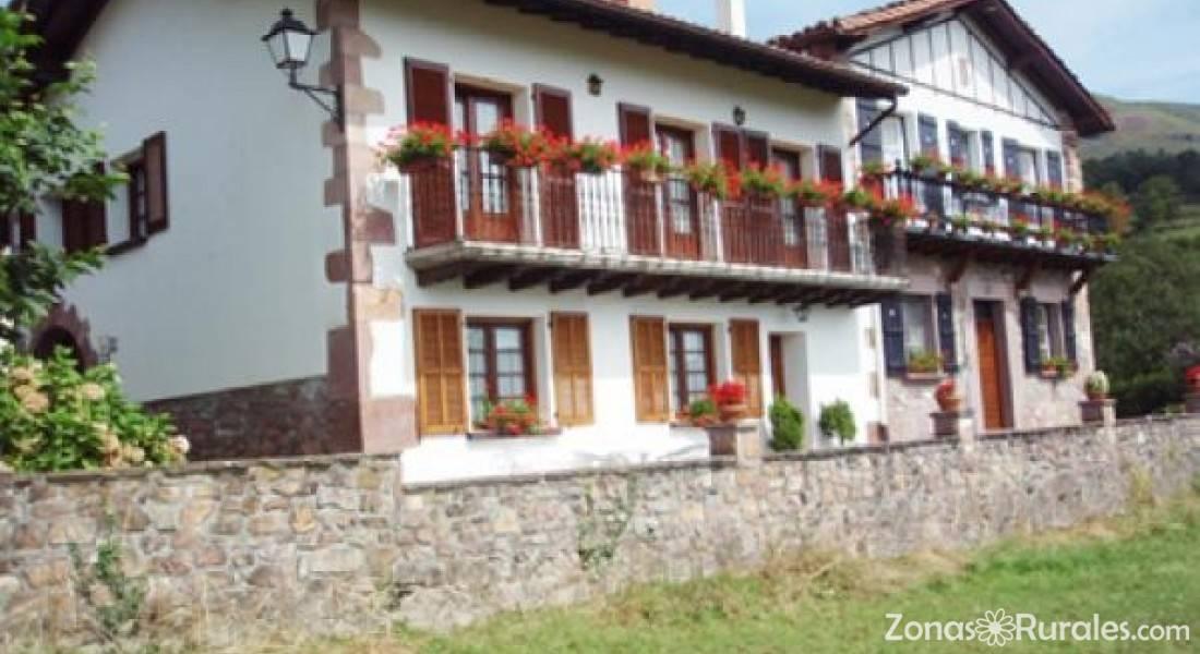 Casa rural goiz argi casa rural en amaiur navarra - Casa rural amaiur ...