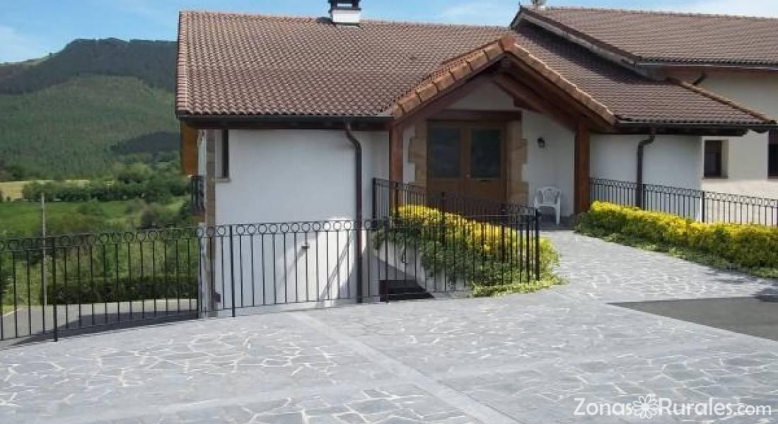 Enbutegi casa rural en urnieta guip zcoa - Casa rural urnieta ...