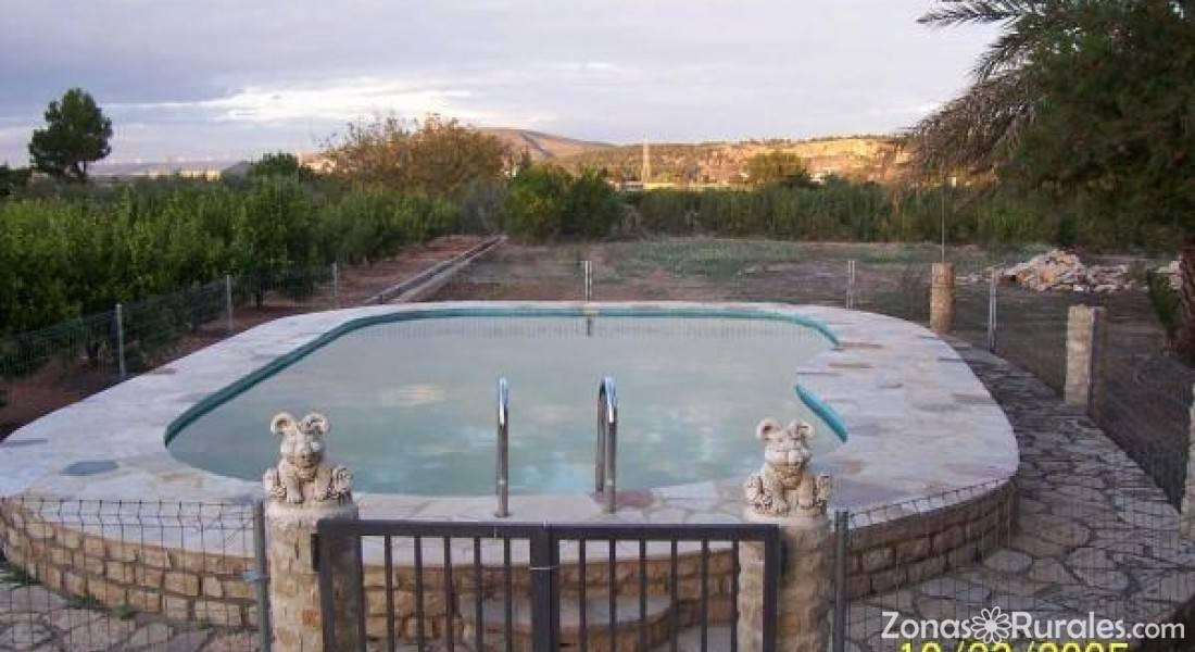 Casa rural el carrascal casa rural en anna valencia for Piscina el carrascal
