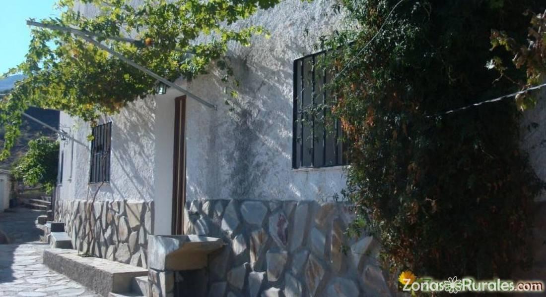 Cortijo lorenzo vivienda tur stica en abrucena almer a - Vivienda en almeria ...