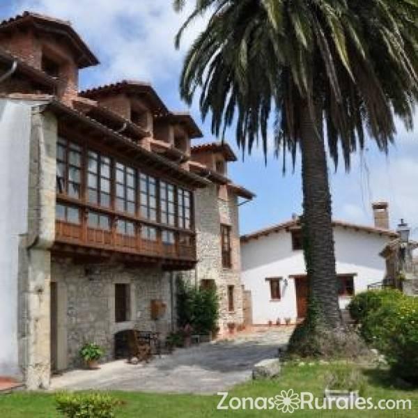 Posada la torre hostal rural en serdi cantabria for Hostal ciudad jardin malaga