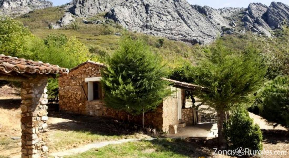 Casa rural finca la sierra casa rural en berzocana c ceres - Casa rural camarena de la sierra ...
