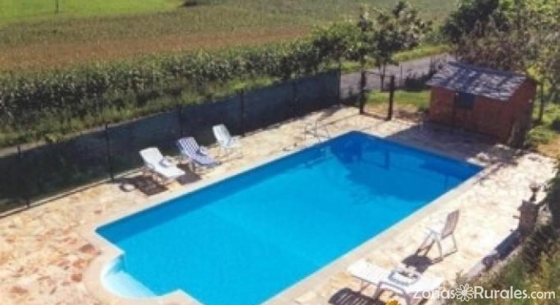 Apartamentos de turismo rural casa caleya apartamentos for Hoteles rurales en asturias con piscina