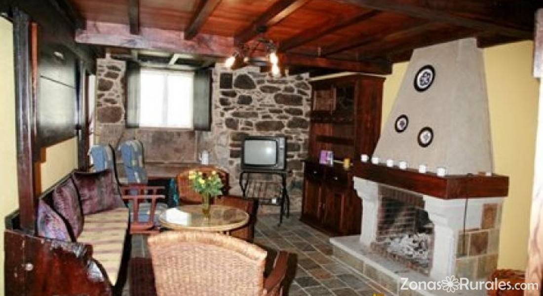 Casa de arxerei casa rural en friol lugo - Chimeneas lugo ...