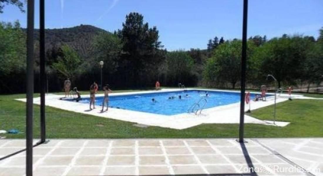 Casas rurales camping puente nuevo casa rural en villaviciosa de c rdoba c rdoba - Camping en navarra con piscina ...