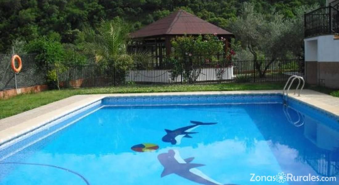 Casas rurales la colina casa rural en las navas de la for Alquiler casa con piscina sevilla