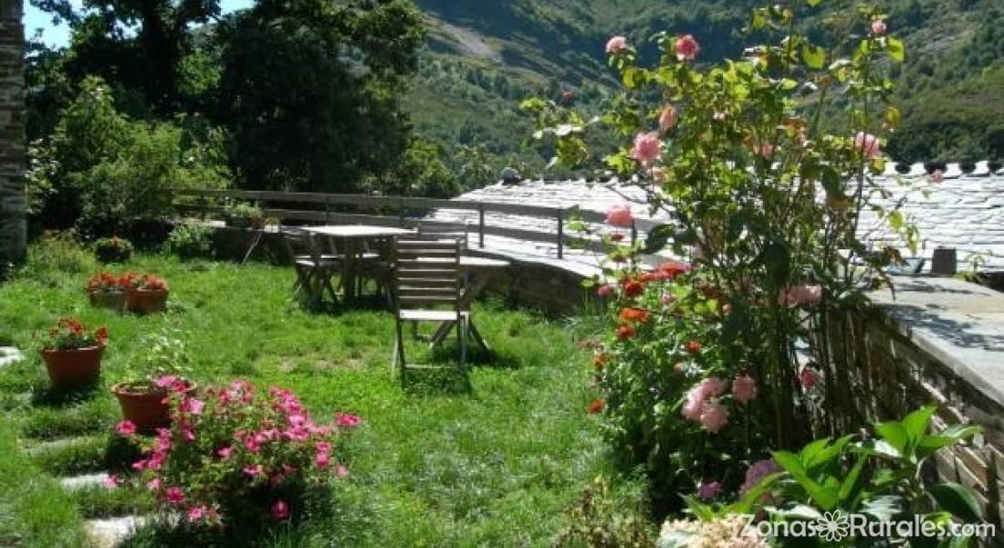 Casa de chaos casa rural en folgoso de courel lugo for Casa rural casa jardin