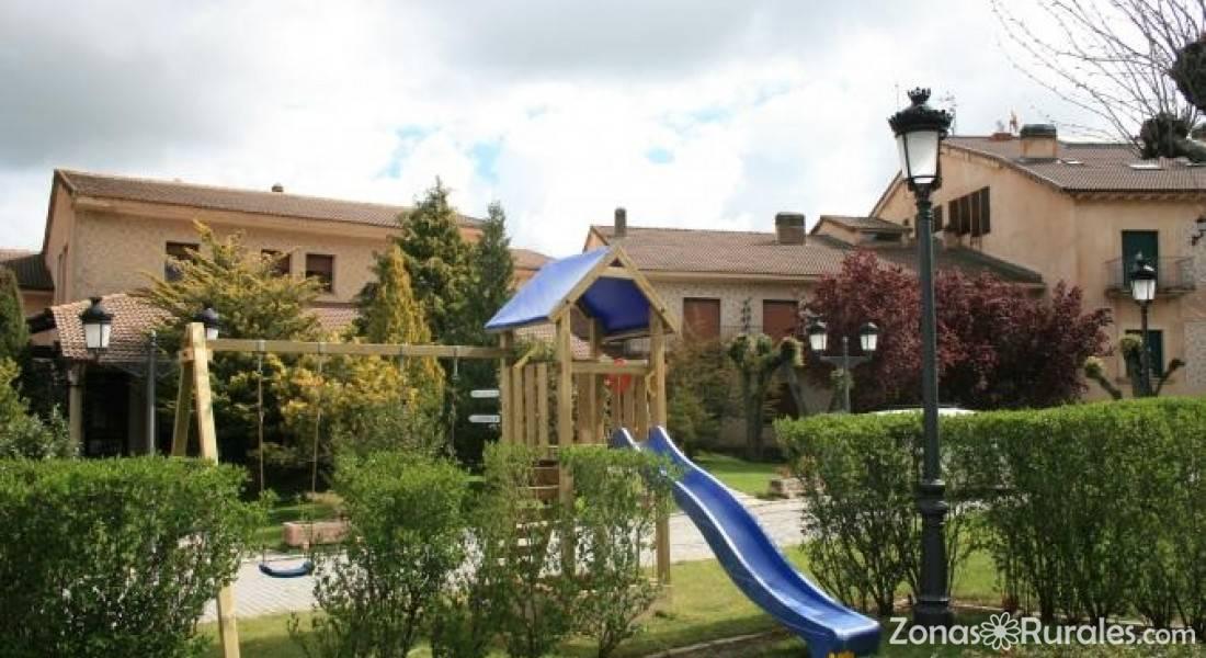 Hotel mirasierra casa rural en santo tom del puerto segovia - Casa rural mirasierra ...