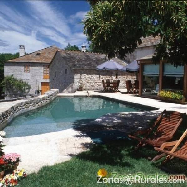 Fervenza casa grande y restaurante casa rural en o corgo lugo - Casas rurales teruel con piscina ...