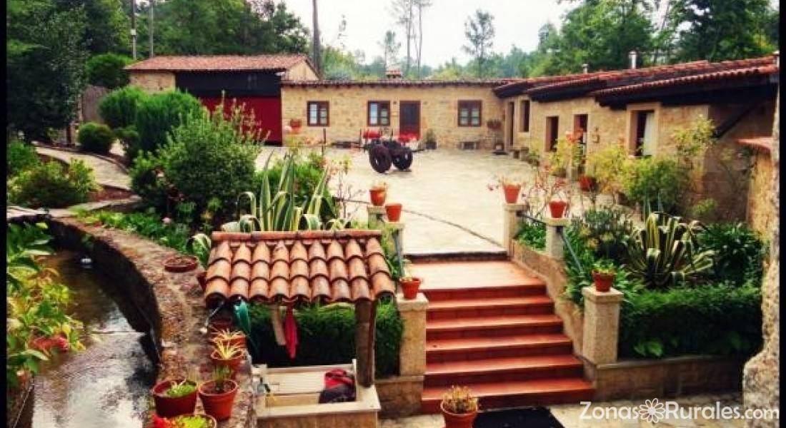 Aldea os mui os casa rural en rianxo a coru a for Piscina o2 granada