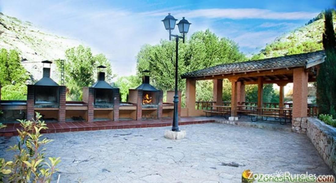Casas los olivos casa rural en alcal del j car albacete - Casas rurales teruel con piscina ...