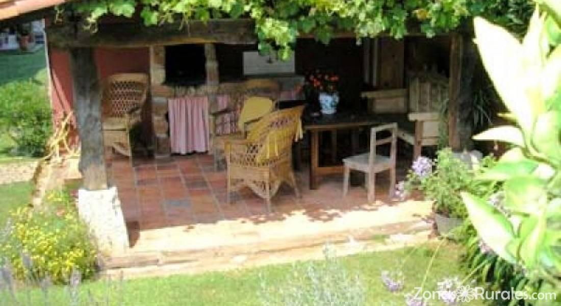 Posada de pedre a hostal rural en pedre a cantabria for Hostal ciudad jardin malaga