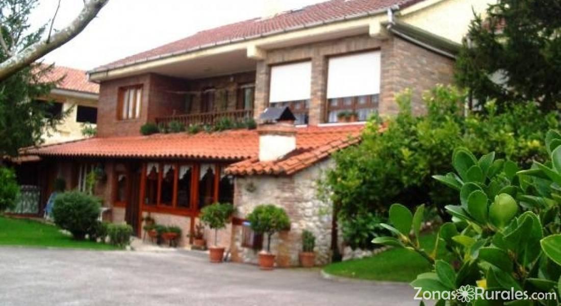 Avemar hostal rural en viveda santillana del mar for Hostal ciudad jardin malaga