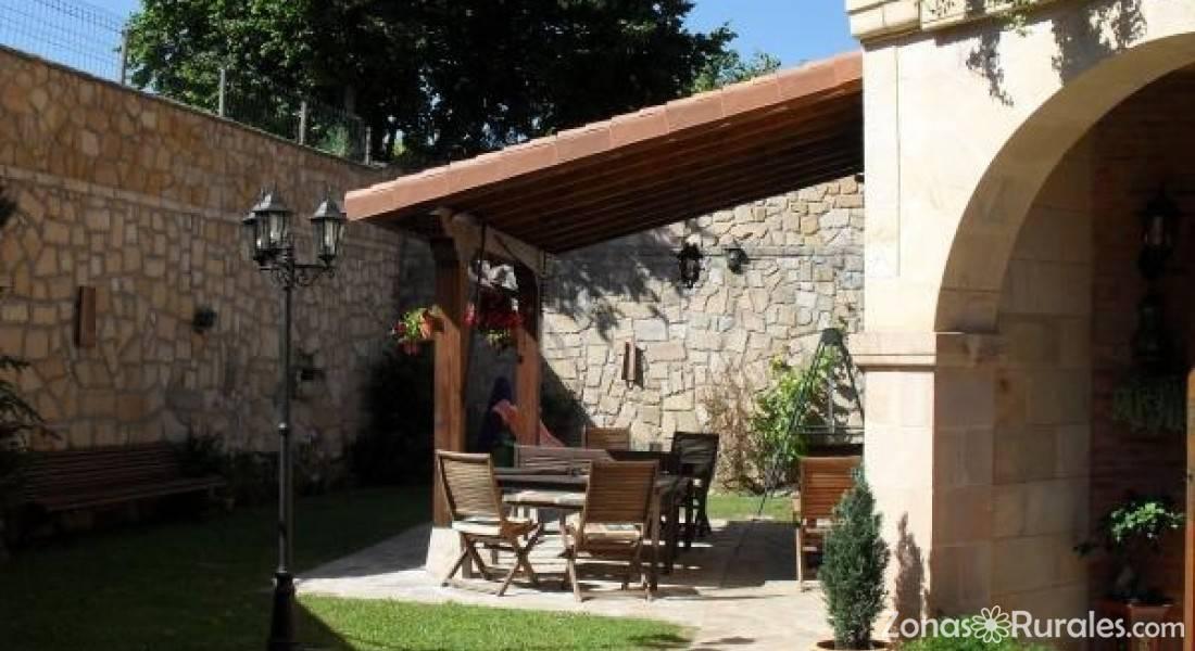 Posada carpe diem hostal rural en li rganes cantabria for Hostal ciudad jardin malaga