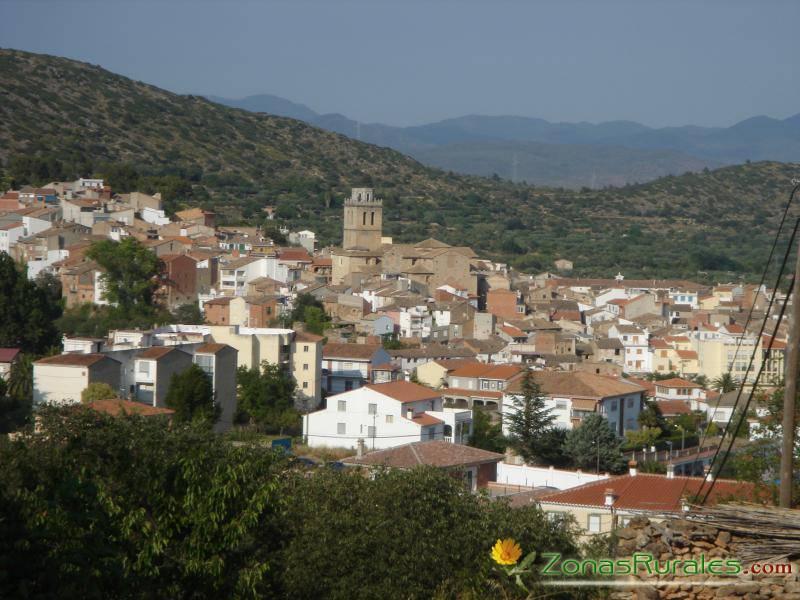Alquilar una casa rural en castell n destino con encanto for Turismo interior castellon