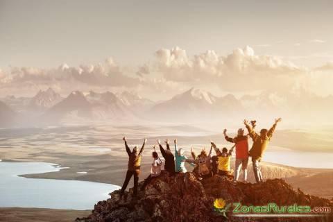 Grupo de amig@s en la montaña