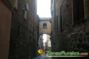 Calle típica de Toledo